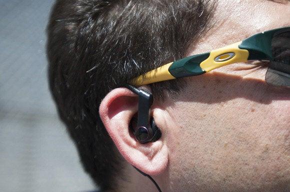 lg heartrate earphones ear