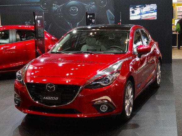 Mazda's adaptive headlights let you keep your high-beams on without annoying ...