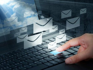 email clutter computer laptop user