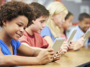kids mobile devices study school learning tablets